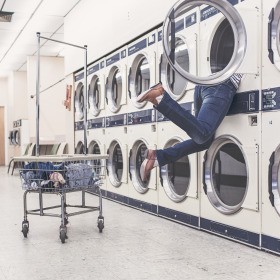 funny-launderette-laundromat-2371
